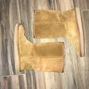 Koolaburra by Ugg boots size 6